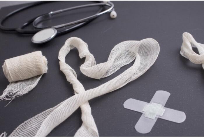 出血する時に使用する医療道具