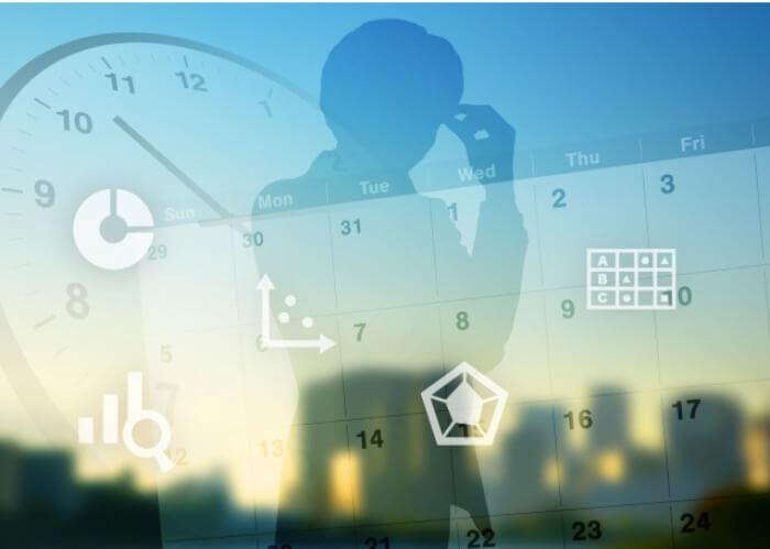 治療効果がいつ実感できるかをイメージしている時計やカレンダー